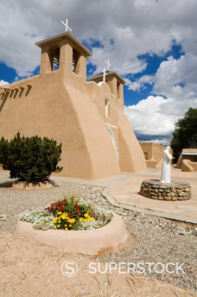 Stock Photo: 1890-127309 St. Francis de Asis Church in Ranchos de Taos, Taos, New Mexico, United States of America, North America