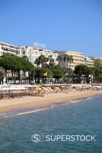 Stock Photo: 1890-127796 Beach, La Croisette, Cannes, Alpes Maritimes, Provence, Cote d´Azur, French Riviera, France, Mediterranean, Europe