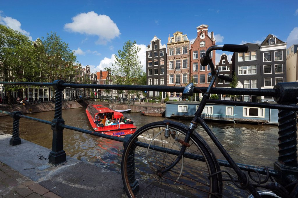 Stock Photo: 1890-128709 Herengracht with gabled houses and sightseeing boat, Amsterdam, North Holland, Netherlands, Europe