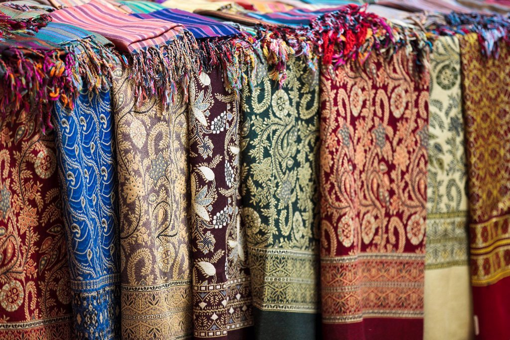 Stock Photo: 1890-130201 Scarves and shawls for sale at the Sharia el Souk market in Aswan, Egypt, North Africa, Africa