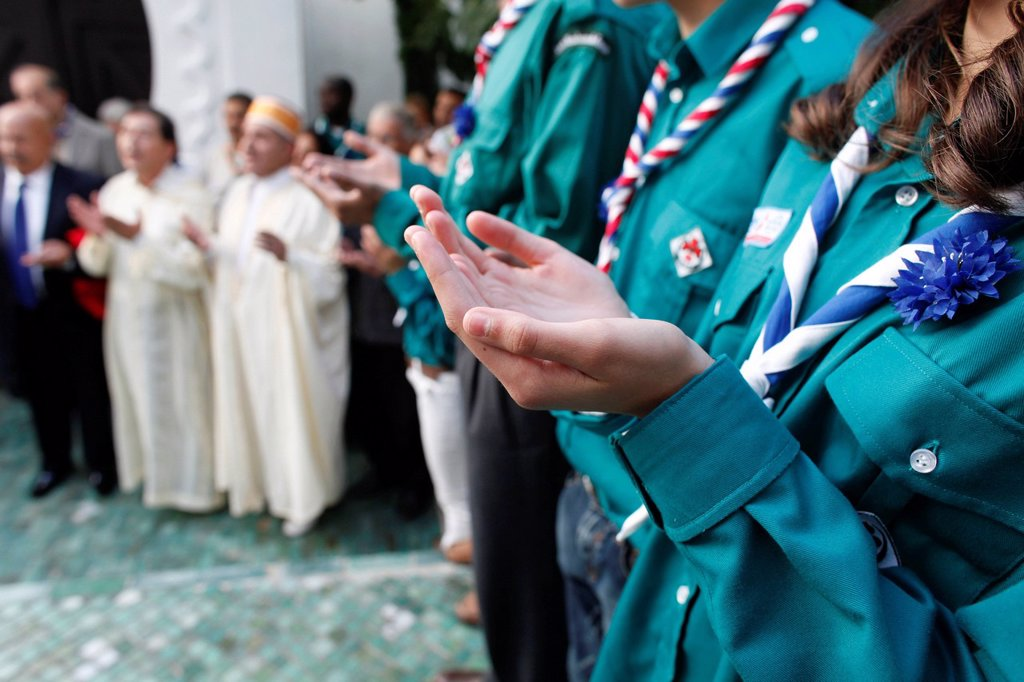 Stock Photo: 1890-130241 Muslim scouts praying, Paris, France, Europe