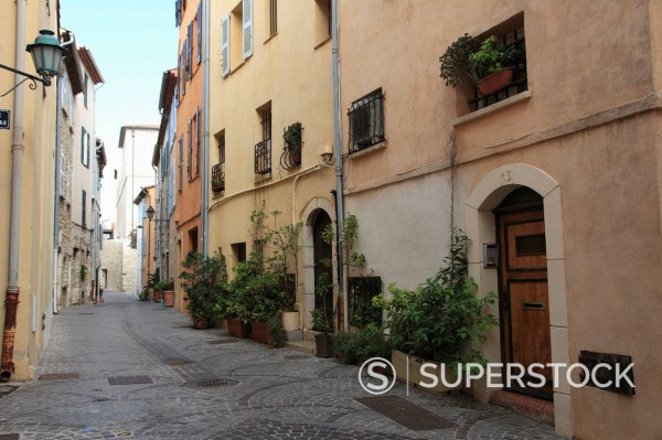Stock Photo: 1890-132745 Old Town, Vieil Antibes, Antibes, Cote d´Azur, French Riviera, Provence, France, Europe