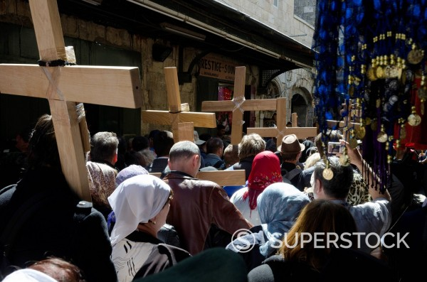 Orthodox Good Friday processions on the Way of the Cross. Old City, Jerusalem, Israel, Middle East : Stock Photo