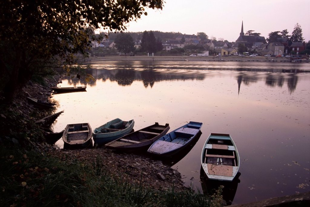 Evening on the river Mayenne at Grez Neuville, Loire Valley, Pays de la Loire, France, Europe : Stock Photo