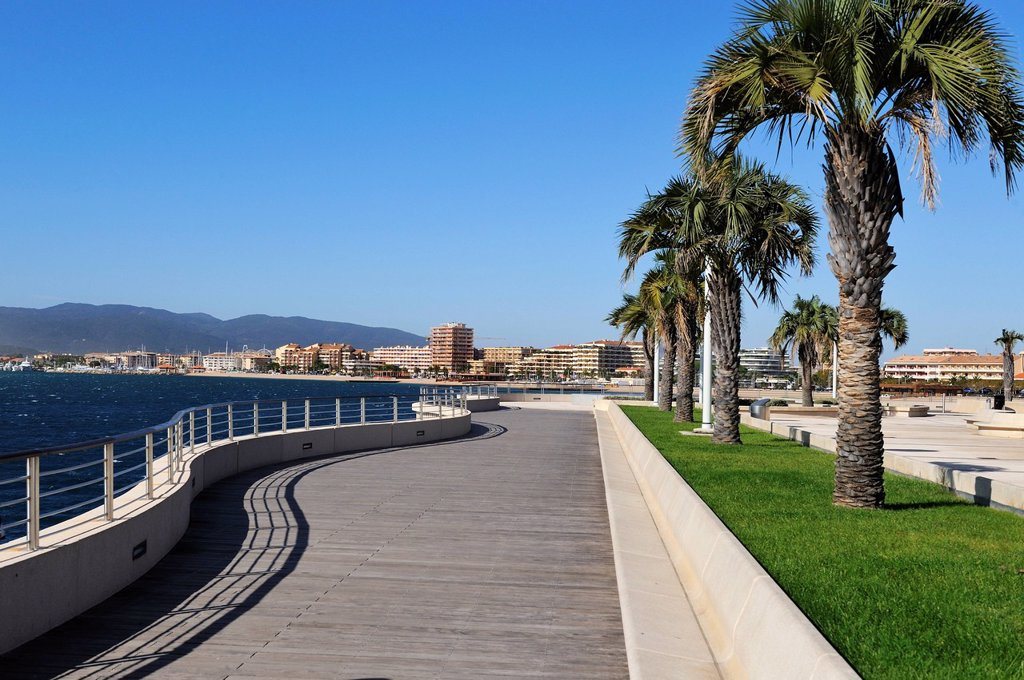 Stock Photo: 1890-136334 Frejus viewed from Bonaparte Gardens, St. Raphael, Var, Provence, Cote d´Azur, France, Europe