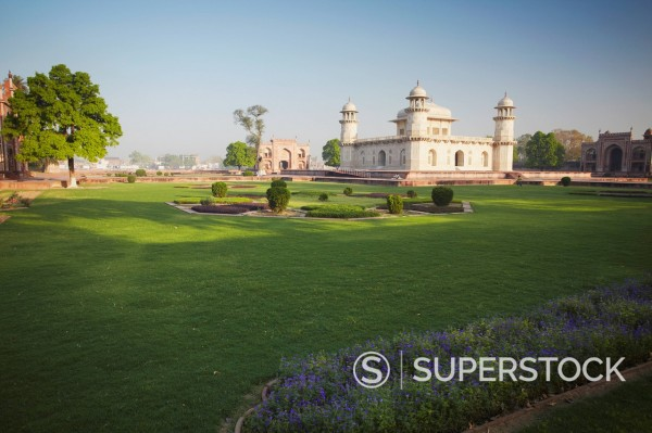 Stock Photo: 1890-140332 Itimad_ud_Daulah tomb of Mizra Ghiyas Beg, Agra, Uttar Pradesh, India, Asia
