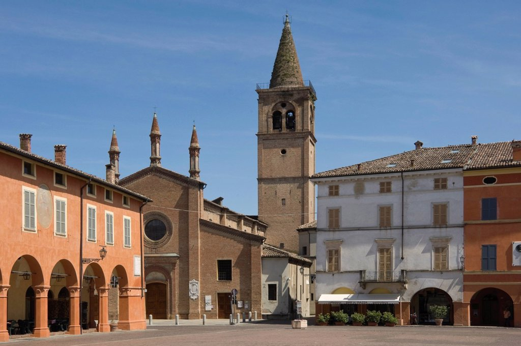 Stock Photo: 1890-140493 Piazza Verdi and Oratory of the Holy Trinity, where Verdi was married, Busseto, Emilia_Romagna, Italy, Europe