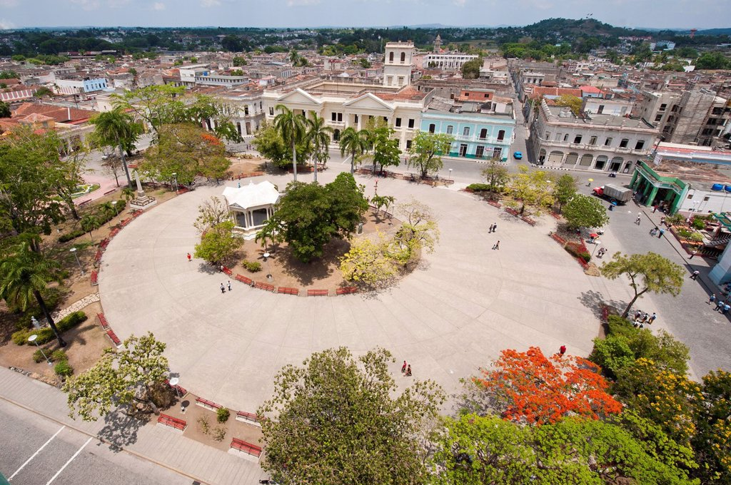 Stock Photo: 1890-140509 Parque Vidal, Santa Clara, Cuba, West Indies, Caribbean, Central America