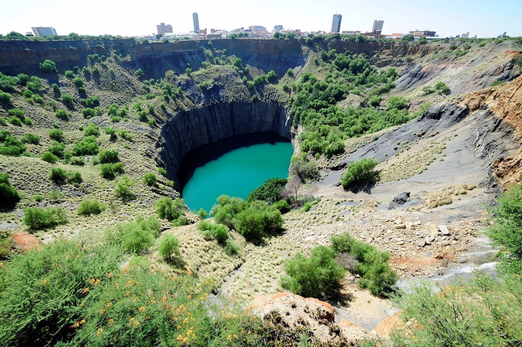 The Big Hole, Kimberley diamond mine, now filled with water, South Africa, Africa : Stock Photo