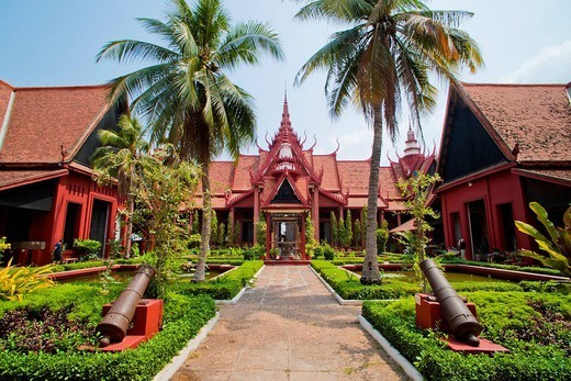 Courtyard inside the National Museum of Cambodia, Phnom Penh, Cambodia, Indochina, Southeast Asia, Asia : Stock Photo