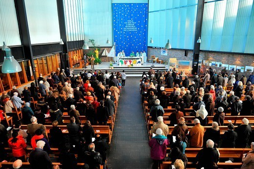 Catholic Mass for all nations, Paris, France, Europe : Stock Photo