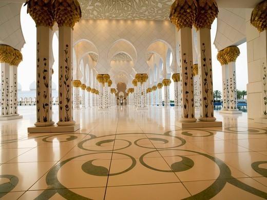Sheikh Zayed Mosque, Abu Dhabi, United Arab Emirates, Middle East : Stock Photo