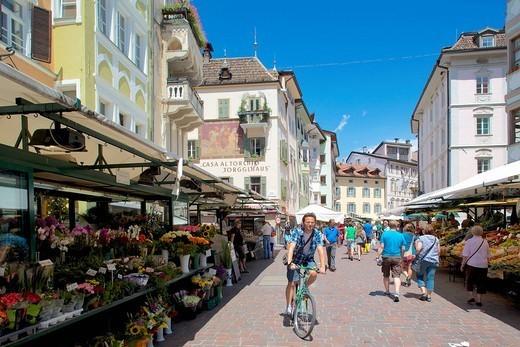 Market stalls, Piazza Erbe Market, Bolzano, Bolzano Province, Trentino_Alto Adige, Italy, Europe : Stock Photo