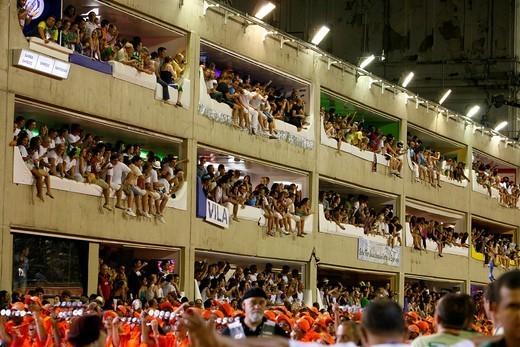 Spectators at the Carnival parade at the Sambodrome, Rio de Janeiro, Brazil, South America : Stock Photo