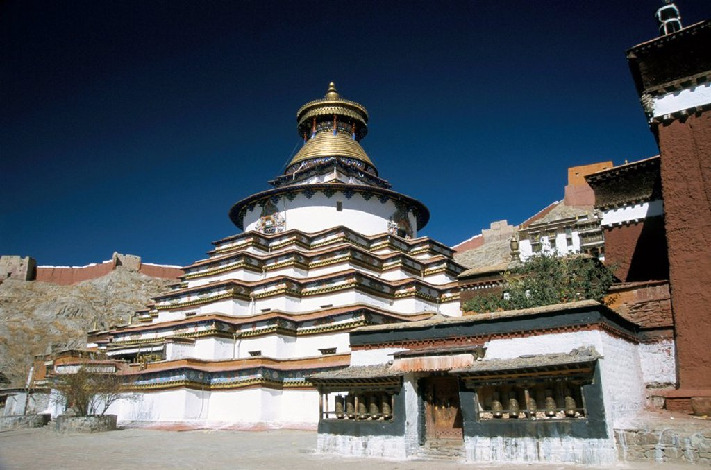 Stock Photo: 1890-14971 Pango chorten in the Palkhor Choide Buddhist monastery, Gyantse, Tibet, China, Asia