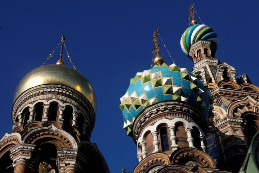 Onion domes, Church of the Saviour on Spilled Blood Church of Resurrection, UNESCO World Heritage Site, St. Petersburg, Russia, Europe : Stock Photo
