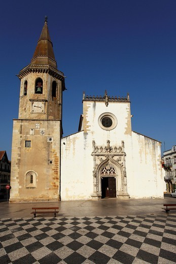 Manueline style Church of St. John the Baptist with octagonal tower, Praca de Republica, Tomar, Ribatejo, Portugal, Europe : Stock Photo