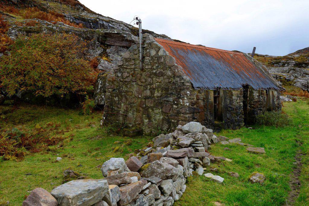 Stock Photo: 1890-152228 Ruined croft, Ardmair, Ullapool, Highlands, Scotland, United Kingdom, Europe