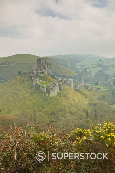 Stock Photo: 1890-152807 The ruins of Corfe Castle, Dorset, England, United Kingdom, Europe