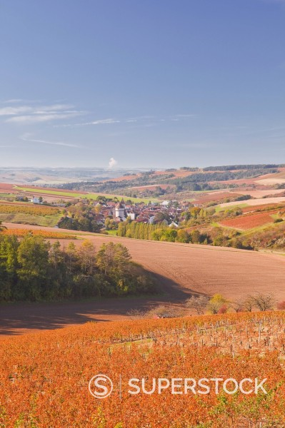 The village of Chitry_le_Fort in Burgundy, France, Europe : Stock Photo