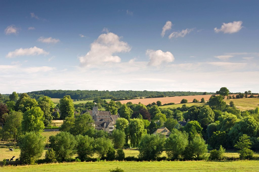 Stock Photo: 1890-153327 Pretty countryside surrounding the Cotswolds village of Swinbrook, Oxfordshire, England, United Kingdom, Europe
