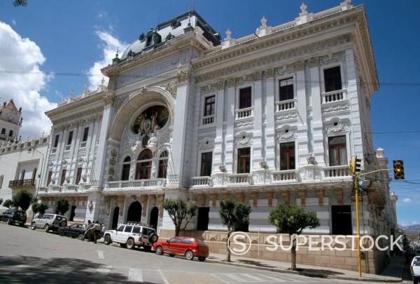 Stock Photo: 1890-16070 Colonial building, Plaza 25 de Mayo, Sucre, Bolivia, South America