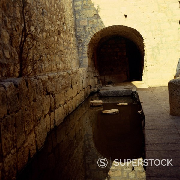 Stock Photo: 1890-1863 Pool of Shiloh, Hezekiah´s tunnel, Jerusalem, Israel, Middle East