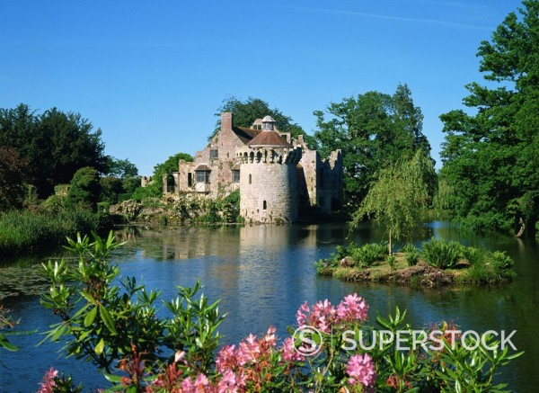 Gardens, Scotney Castle, Kent, England, United Kingdom, Europe : Stock Photo