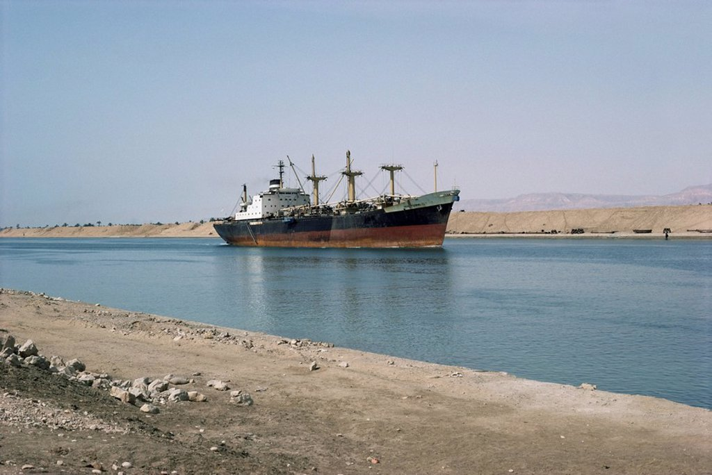 Northbound ship, Suez Canal, Egypt, North Africa, Africa : Stock Photo
