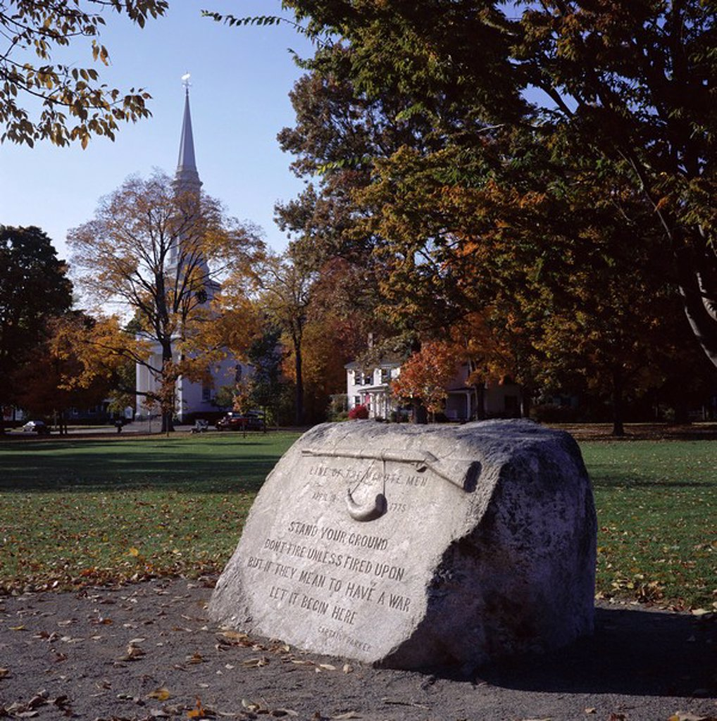 Memorial to the first confrontation of the American Revolution between Minutemen and British on 19 April 1775, Lexington Green, Lexington, Massachusetts, New England, United States of America USA, North America : Stock Photo