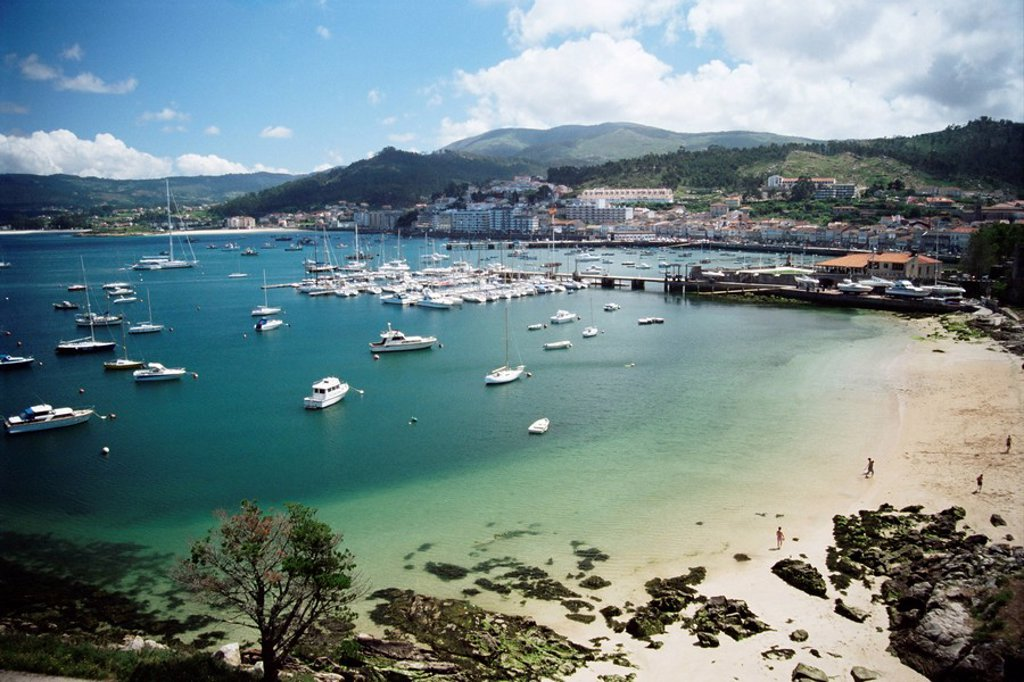 Stock Photo: 1890-22907 View of beach, harbour and town, Bayona, Galicia, Spain, Europe