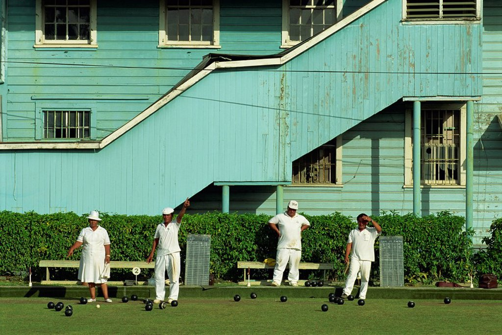 Men and women on a bowling green in Apia on the island of Upolu in Western Samoa, Pacific : Stock Photo