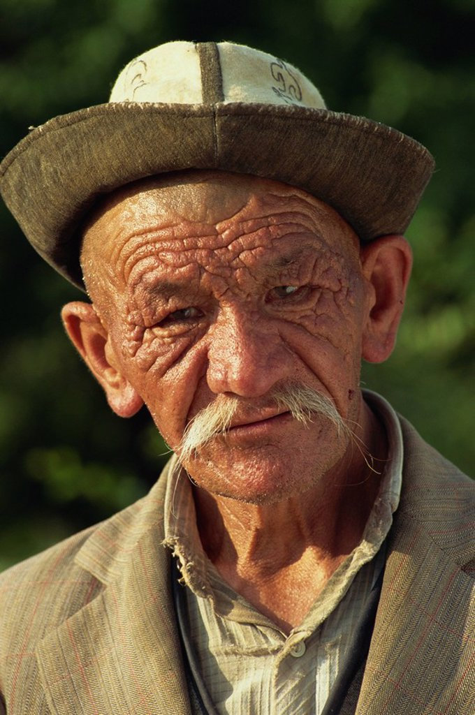 Stock Photo: 1890-23251 Retired co_op farmer, Askar Timurbeg, Balikchi, Kyrgyzstan, Central Asia, Asia