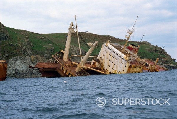 Ship wrecked in 1992, near Salcombe, Devon, England, United Kingdom, Europe : Stock Photo