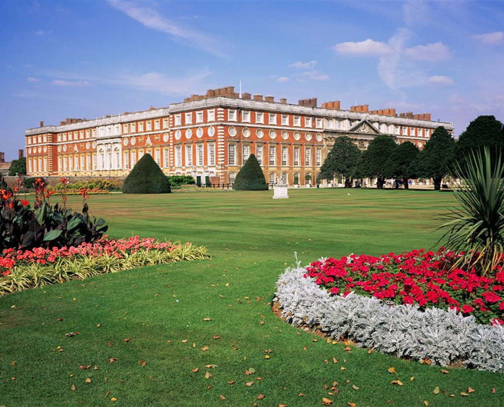 Stock Photo: 1890-26079 Hampton Court Palace, Greater London, England, United Kingdom, Europe