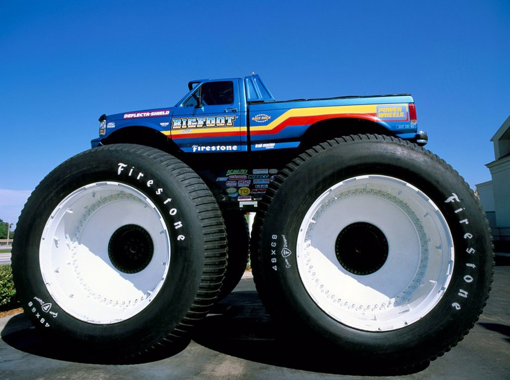 Stock Photo: 1890-28072 Huge tyres, Big Foot, customised car, United States of America, North America