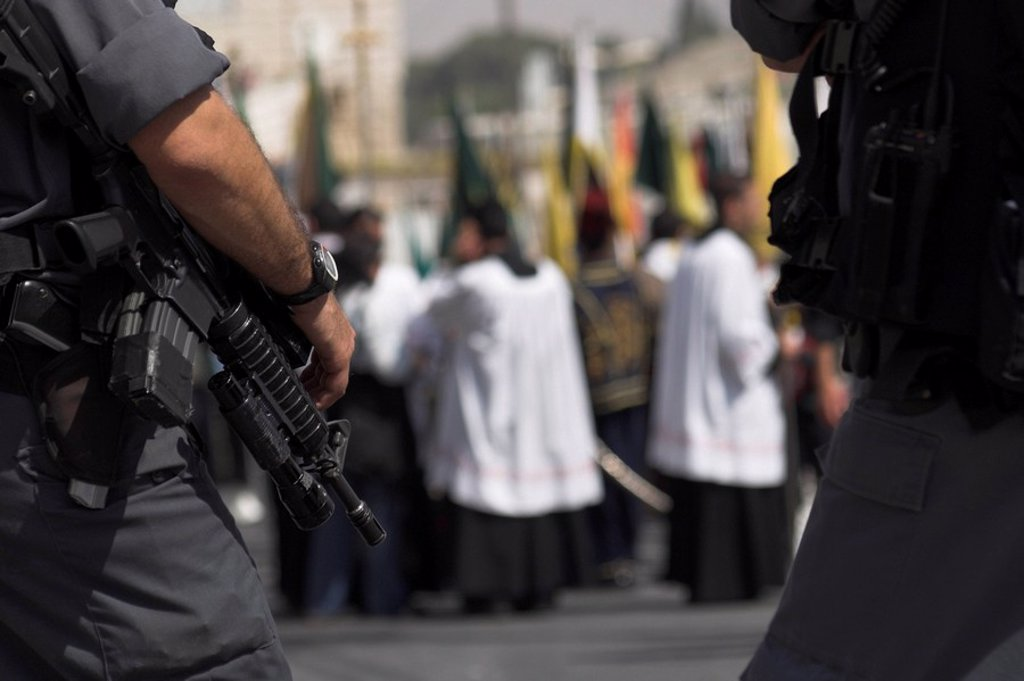 Israeli security forces guarding Palm Sunday Catholic Procession, Mount of Olives, Jerusalem, Israel, Middle East : Stock Photo