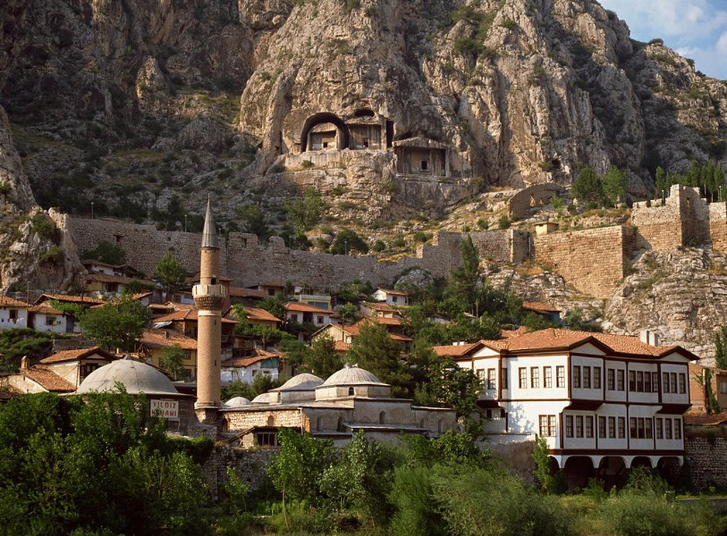 Restored castle walls and burial chambers from around 300 BC above Amasya, Anatolia, Turkey, Asia Minor, Eurasia : Stock Photo