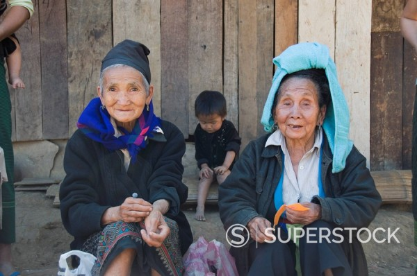 Stock Photo: 1890-31486 Hmong tribal village women selling handicrafts, Luang Prabang, Laos, Indochina, Southeast Asia, Asia