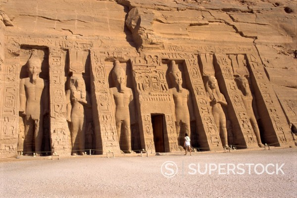 Temple of Hathor in honour of Nefertari, moved when the Aswan High Dam was built, UNESCO World Heritage Site, Abu Simbel, Nubia, Egypt, North Africa, Africa : Stock Photo