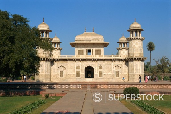 Itimad_ud_Daulah´s tomb, built by Nur Jehan, wife of Jehangir in 1622 AD, Agra, Uttar Pradesh state, India, Asia : Stock Photo