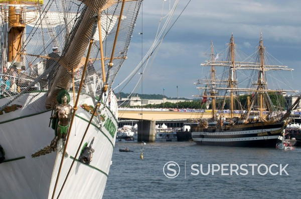 Stock Photo: 1890-38047 Three masted boats, the Cuauhtemoc from Mexico and the Amerigo Vespucci during Armada 2008, Rouen, Normandy, France, Europe
