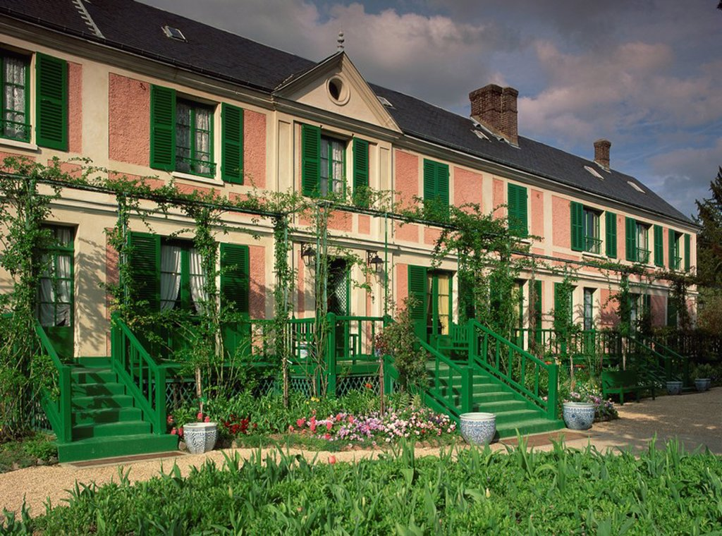Exterior of claude monet s house now a museum giverny - Haute normandie mobel ...