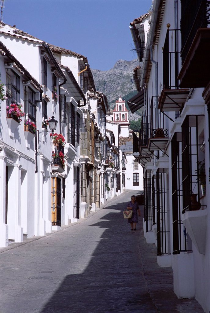 Street scene in the white village of Crazalema, Andalucia Andalusia, Spain, Europe : Stock Photo