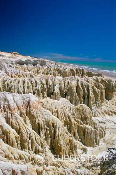 Stock Photo: 1890-43106 Rock formations and coastline near Canoa Quebrada, Canoa Quedrada, Ceara´, Brazil, South America