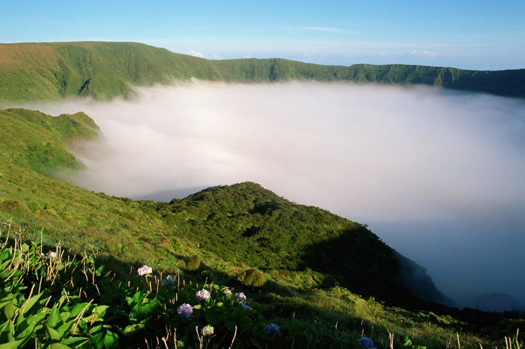 Stock Photo: 1890-4346 Cloud in crater, Caldeira, Faial, Azores, Portugal, Europe