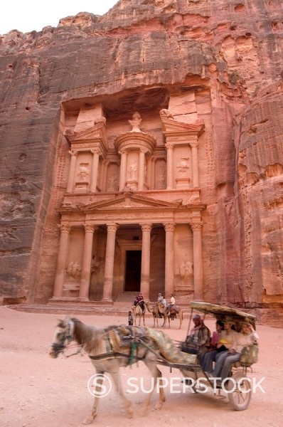 Stock Photo: 1890-47303 Horse and carriage in front of the Treasury Al_Khazneh, Petra, UNESCO World Heritage Site, Wadi Musa Mousa, Jordan, Middle East