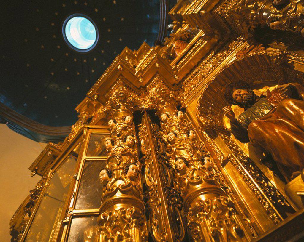 Stock Photo: 1890-48148 Church interior, Quito, Ecuador, South America
