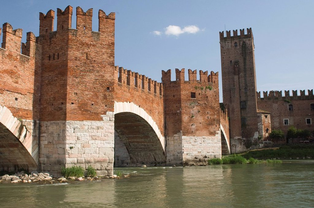 Stock Photo: 1890-51406 Ponte Scaligero, Verona, UNESCO World Heritage Site, Veneto, Italy, Europe