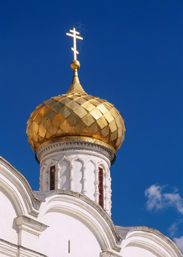 Stock Photo: 1890-62692 Close_up of golden onion dome of the Trinity Cathedral in the Ipatiev Monastery, in Kostroma, the Golden Ring, Russia